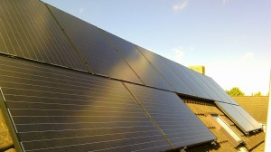 16 ZN Shine 260 WP Mono Gallium panelen + KLNE Solartec omvormer en Optimizers