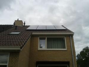 8 ZN Shine 250 WP Mono panelen + KLNE Solartec omvormer