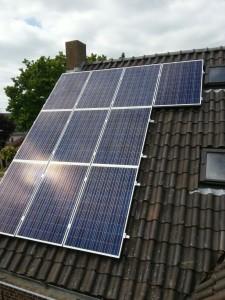 17 ZN Shine 250 WP poly panelen + KLNE Solartec omvormer