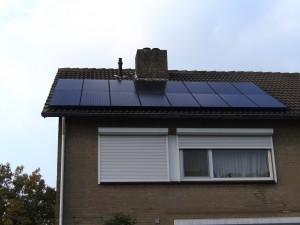 16 Risen 195 WP Mono panelen + KLNE Solartec omvormer